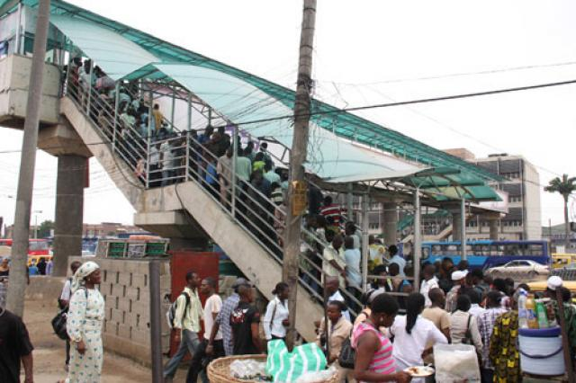 102 Men, 7 Women Arrested For Not Using Pedestrian Bridge