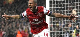 Walcott & Carzola Sign Arsenal Contract Extensions