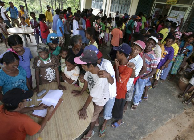 voting age philippines A resident of the philippines for at least one (1) year and in the place wherein   barangay registered voters with age range from eighteen (18.