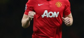 Phil Jones Signs Fresh Deal at Manchester United