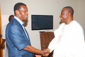 PRESIDENT JONATHAN AND PASTOR ADEBOYE, @ THE RCCG, OLIVE TREE PARISH, IKOYI SUNDAY WORSHIP YESTERDAY