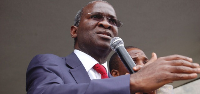 Lagos Workers Smile As Fashola Approves 15% Bonus With December Salary