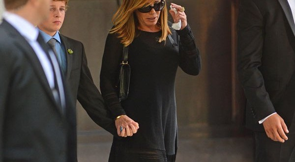 Family friends and fashion designers bid joan rivers a final farewell