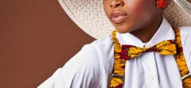 Chidinma Receives Award From Elders Of Her Town