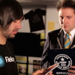 teen-breaks-his-own-guinness-world-record-for-speed-texting-with-an-iphone-6-plus