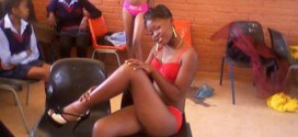 Secondary School Student Stríp unclad In Class | Photos