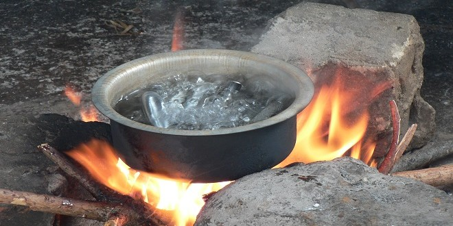 Woman Pour Boiling Water On Husband In His Sleep For Having 5 Secret Wives