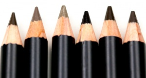 Ladies, 6 Simple Steps On How To Draw Your Eyebrows