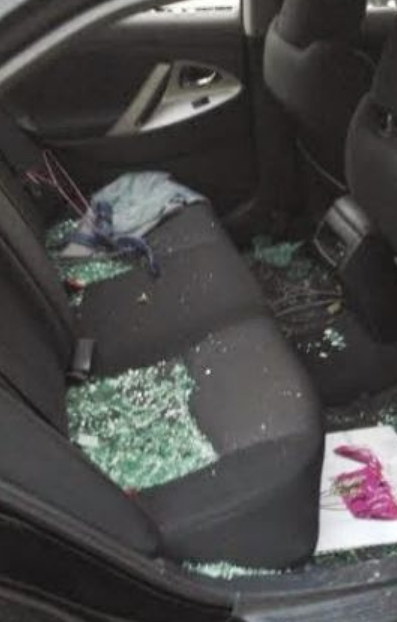 Photos: Armed Robbers Strike On Eko Bridge, Smash Car Windows & Broke Into It