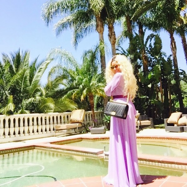 dencia-poses-at-her-home-in-grecian2