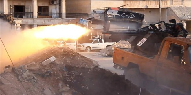 Syrian Rivals Locked In Heavy Clashes Over Aleppo