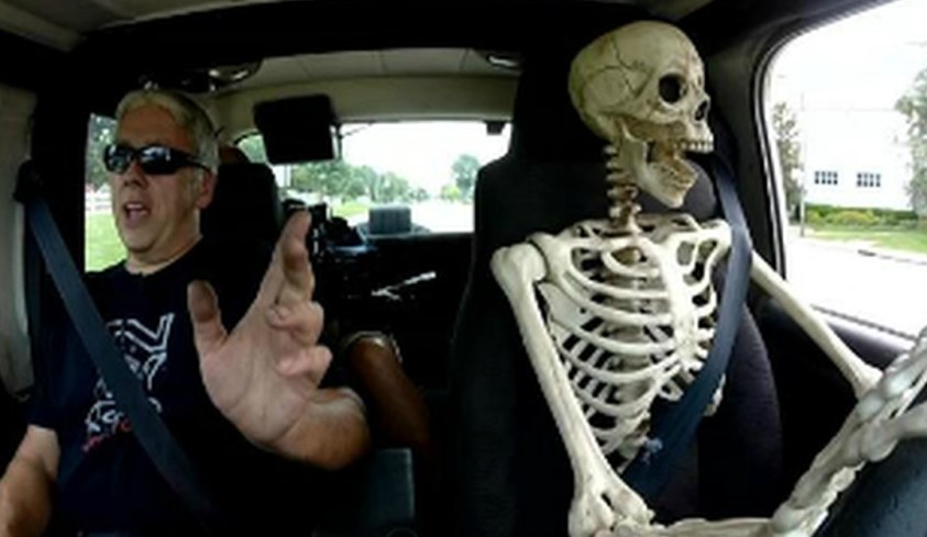 Skeleton 'Driving' Jeep In US City Of Kentucky ...