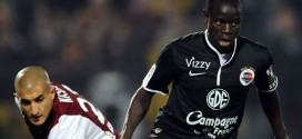 Leicester Sign French Midfielder N'Golo Kante