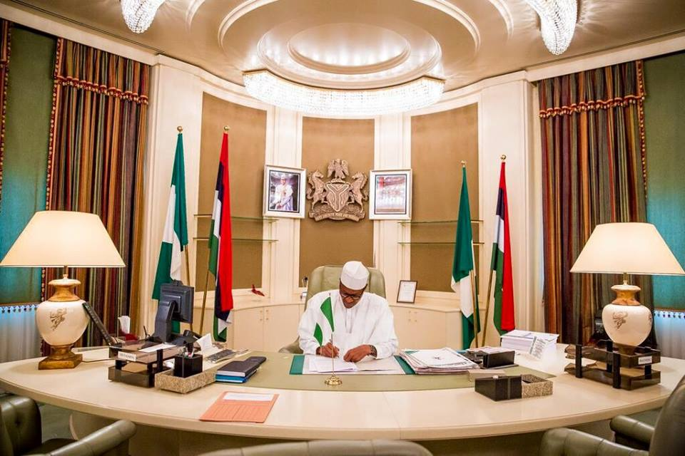 President Buhari Says He Sometimes Get Lost In Aso Rock ...