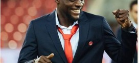 John Ogu Proposes To Girlfriend On The Pitch (Photos)