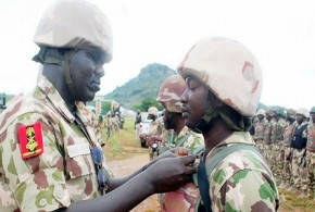 CHIEF-OF-ARMY-STAFF-DECORATES-GALLANT-SOLDIERS-IN-MUBI-