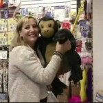New-York-woman-buys-out-entire-toy-store-for-homeless-kids