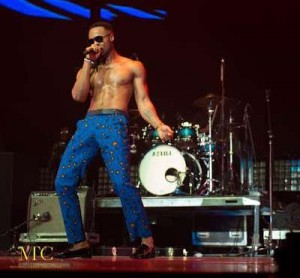 SEE How Nigerian Highlife Singer, Flavour Set The Stage On Fire At The BET Africa Experience Concert [Photos]