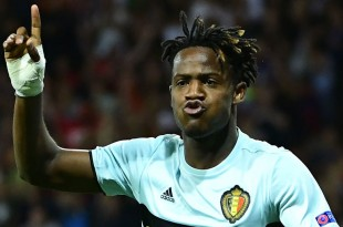 Belgium's forward Michy Batshuayi celebrates after scoring his team's second goal during the Euro 2016 round of 16 football match between Hungary and Belgium at the Stadium Municipal in Toulouse on June 26, 2016.   / AFP / EMMANUEL DUNAND        (Photo credit should read EMMANUEL DUNAND/AFP/Getty Images)