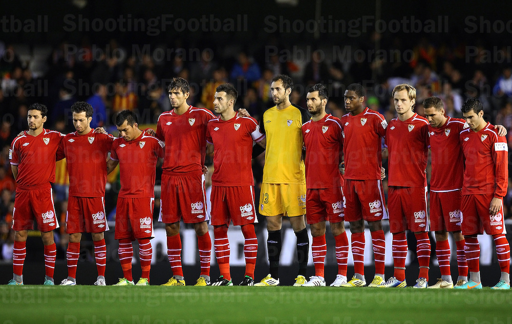 Sevilla fc hold a minute 39 s silence for wrong person - Nouveau sevilla ...