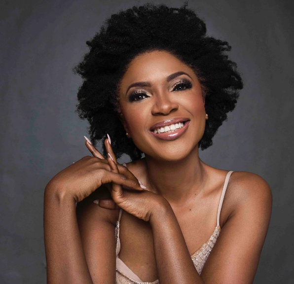 Nollywood Actress, Omoni Oboli, Looks All Radiant As She Show Off Her Wonderful Abs