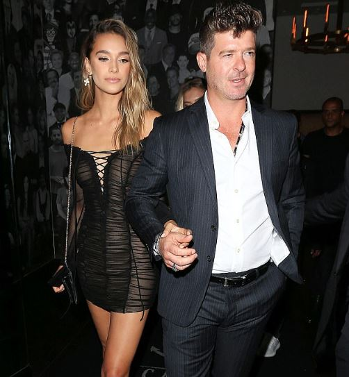 Robin Thicke's Girlfriend April Love Geary Is Pregnant