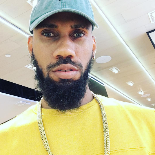 Phyno Gets Immortalized in Port Harcourt with a Statue (photo)