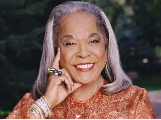'Touched By an Angel' star and singer Della Reese dead at 86
