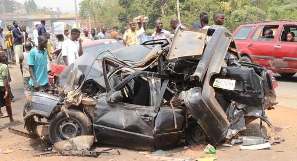 Photos Of Accident Scene That Killed A Soldier And Others In Abuja ...