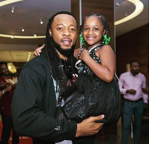 adorable photo of flavour with 2faces younger daughter olivia photo 1