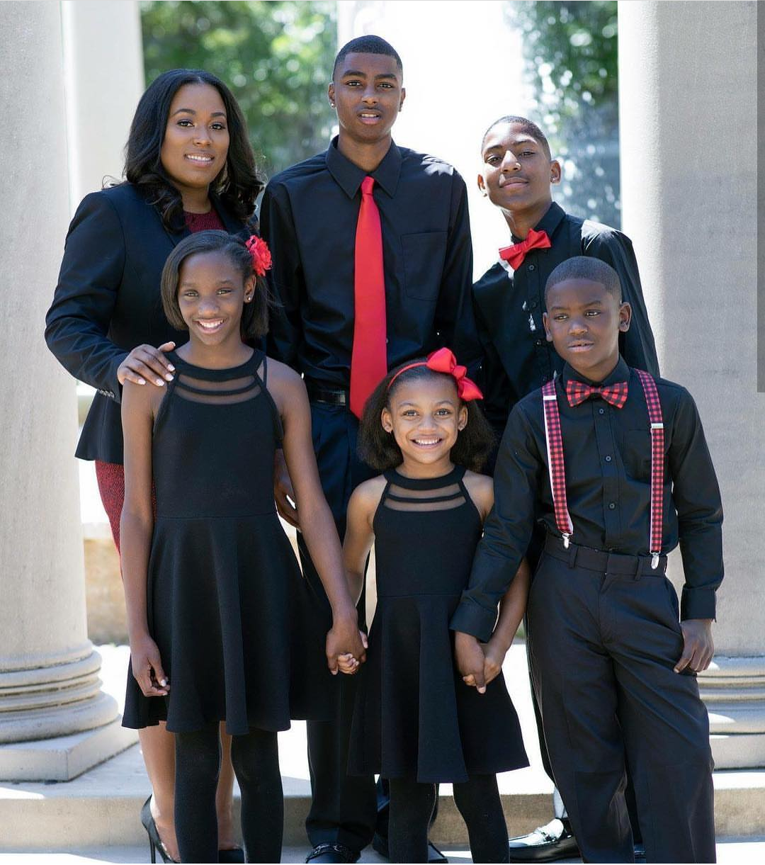 Photo By Marshall Grad Goes Viral: Single Mom Of 5 Goes Viral After Graduating From Law