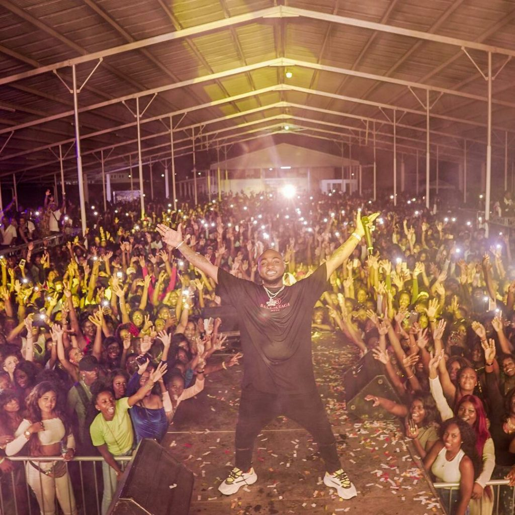 Davido Shutsdown South America!!! Performs To Crowd Of Over 10,000 People And They All Sang His Songs Word For Word (Video)