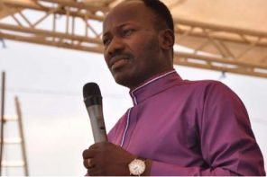 """""""Nobody helps people like pastors, not even governments"""" – Apostle Suleman"""