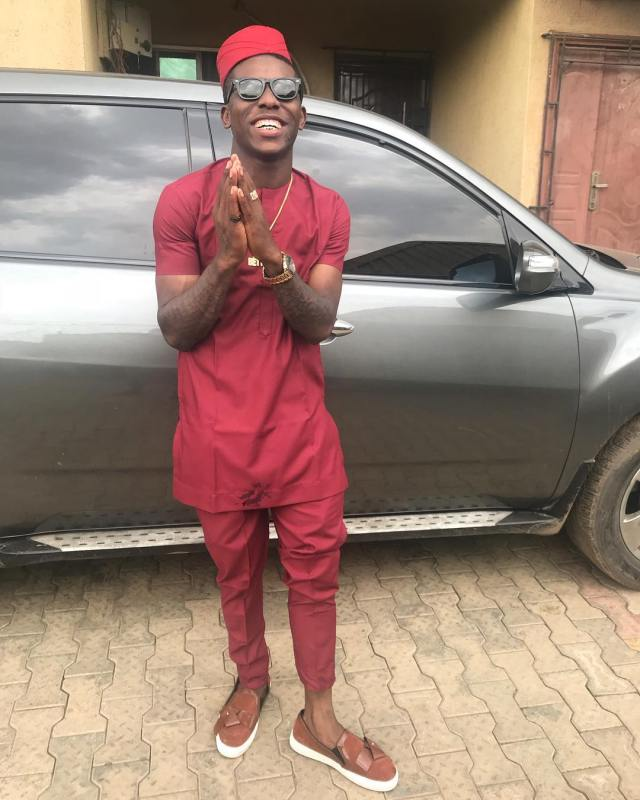 Singer Small doctor