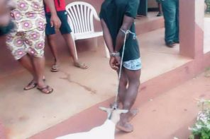 Man paraded alongside the pregnant goat he stole in Anambra state