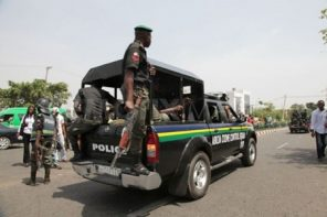 Irate Mob beat day-light out policeman for shooting man's leg in Delta