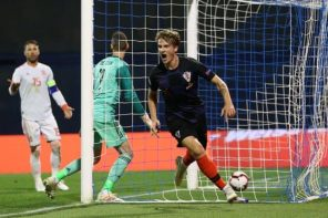 Croatia 3 Spain2: Fans Lash At David De Gea For Conceding This 'Stupid Goal' Right At The Death(Video)