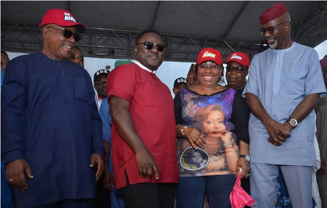 Defection Tsunami Hits Cross River APC, As Ita Giwa, BoT Member, Ex-Envoy, Others Join PDP