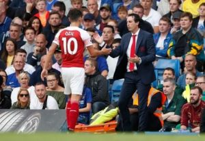 real reason unai emery dropped ozil against crystal palace revealed 300x206 - Fans Throw Mud At Arsenal Coach, Unai Emery, For Droping Points Against Brighton