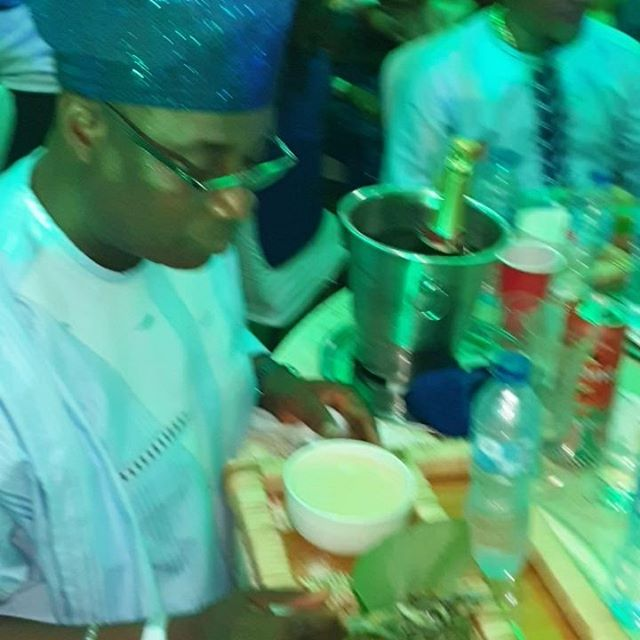 Wasiu (KWAM1) Ayinde Appreciates The Creativity As He Drinks Garri With Fried Fish At An Engagement Party (Video)