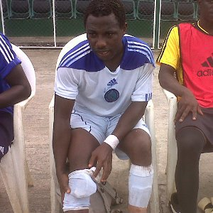 Nigerian Footballer Collapses On Pitch and Dies