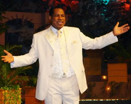 Pastor-Chris-Oyakilome-422x336