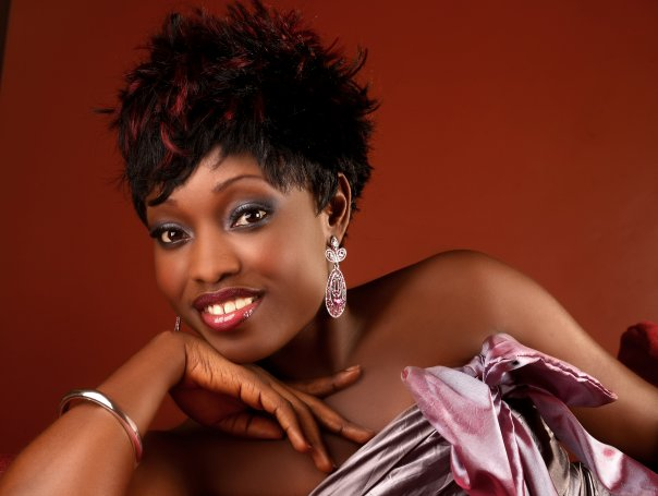 Kefee Opens For Indie Arie at Chicago Fiesta