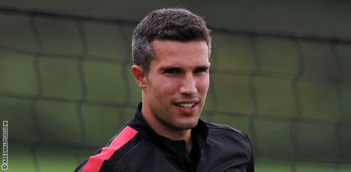 Breaking News: It's Official, Robin Van Persie Is Going To Manchester United