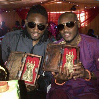 2face And Uti Nwachukwu Among Others, Honoured By Oba Of Benin