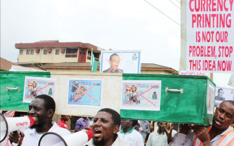 Photo: Coffin-Bearing Activists Protest the Introduction of N5,000