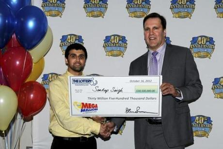 Man Wins $30 Million Lottery Shortly after Being Dumped by Girlfriend