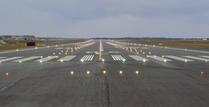 Airport-runway-light-418x215
