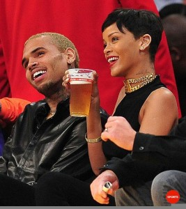 Rihanna_Chris_Brown_Lakers_Game_Christmas_day_1
