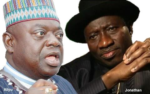 Niger-State-Governor-Babangida-Aliyu-and-President-Goodluck-Jonathan-480x300